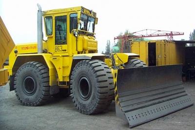 Кировец К-702МБА-01-БКУ - Бульдозер колесный