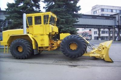 Кировец К-703МА-ДМ15 - Дорожная машина - мощный полноприводный высокоскоростной бульдозер эксплуатационной массой 17 тонн